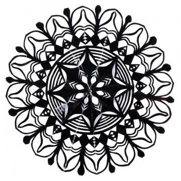 Mała okrągła wycinanka kurpiowska - wzór 1 - czarna