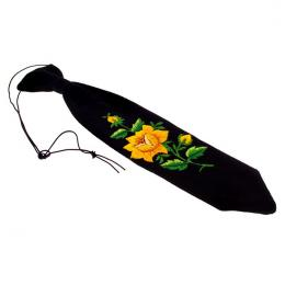 Haftowany krawacik dziecięcy z żółtą różyczką - rękodzieło ludowe