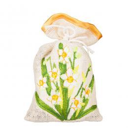 Ozdobny woreczek zapachowy z haftem ludowym - żonkile