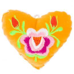Żółte serduszko na igły z haftem łowickim - różowa róża z pączkami