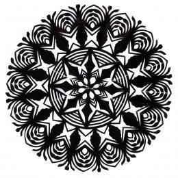 Mała okrągła wycinanka kurpiowska - wzór 5 - czarna