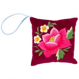 Mini poduszeczka na igły z haftem łowickim - bordowa z różową różą
