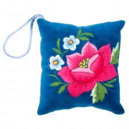 Mini poduszeczka na igły z haftem łowickim - niebieska z różową różą