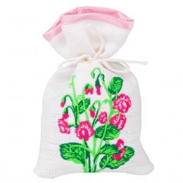 Ozdobny woreczek zapachowy z haftem ludowym - rozwinięte różowe róże z pączkami