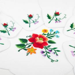 Bieżnik ręcznie haftowany + 6 serwetek - czerwona róża w bukiecie